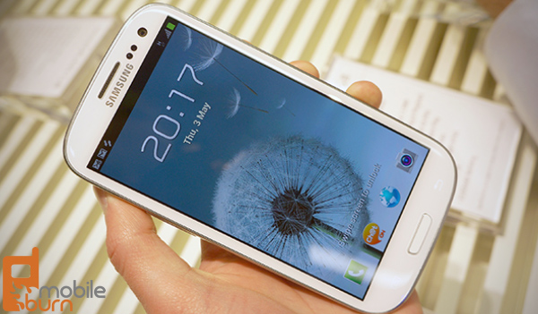 samsung-galaxy-s3-hands-on-scherm Samsung: Super Amoled gaat langer mee dan Super Amoled Plus