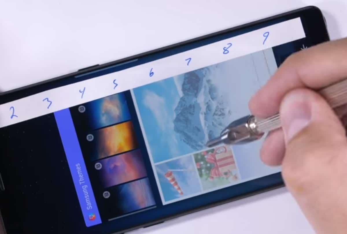 galaxy-note-8-krasvast Galaxy Note 8 bouwkwaliteit in orde, aldus kras-, buig- en brandtest