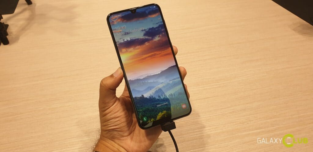 samsung galaxy a50 hands on preview 1