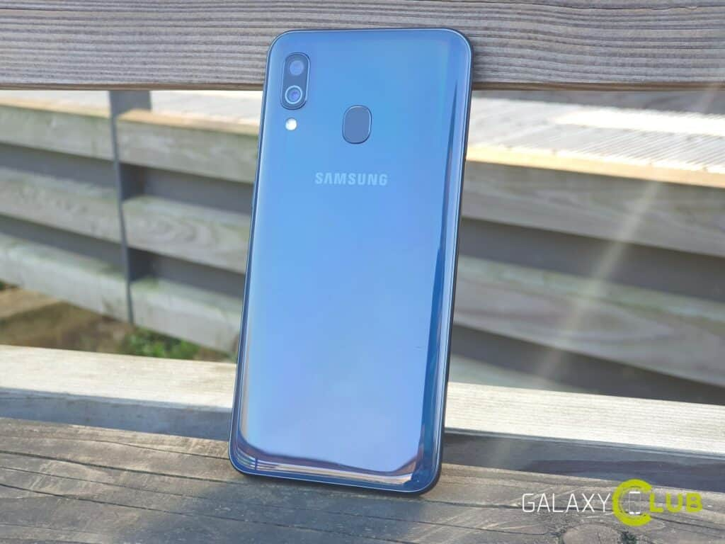 samsung galaxy a40 review design 1