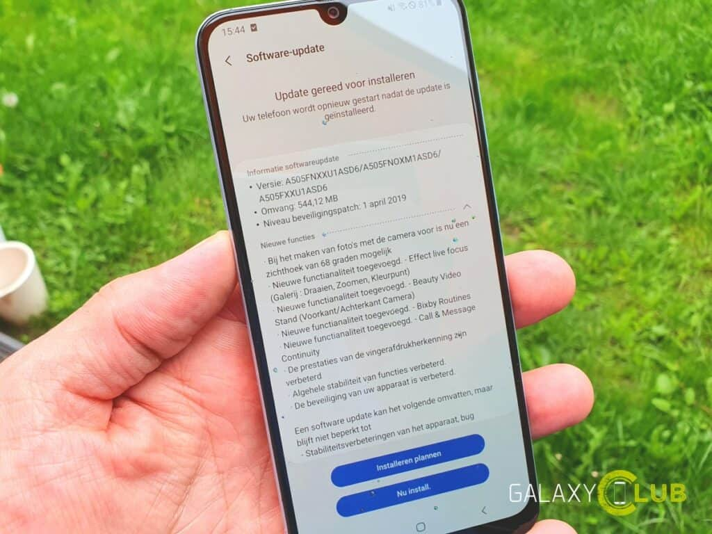 samsung galaxy a50 grote update camera vingerscanner april patch