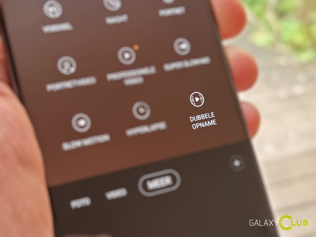 Samsung Galaxy S20 met Dubbele Opname camera stand